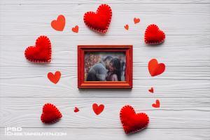 Free PSD Mockup khung ảnh gỗ tình yêu đơn giản mà đẹp