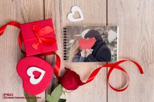 Download PSD Mockup Tình Yêu - Ghép ảnh tình yêu vào sổ tay lãng mạn