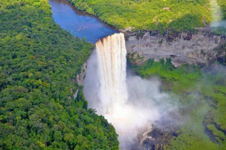 """Những thác nước """"hùng vĩ"""" nhất thế giới – trong đó có Việt Nam"""