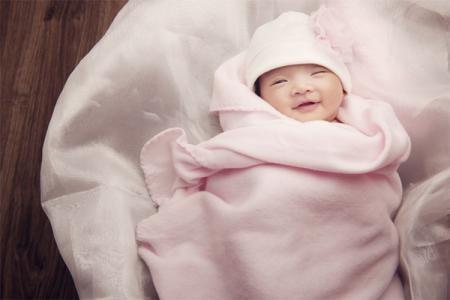 Gợi ý 7 món quà tặng đầy tháng cho bé vừa thiết thực lại thể hiện sự quan tâm