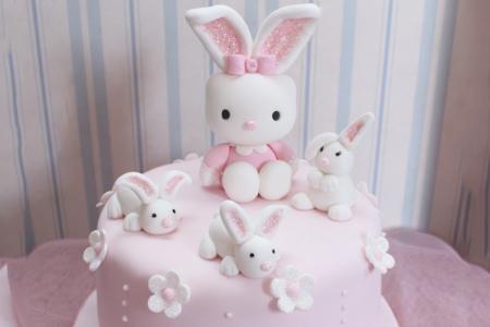 Chia sẻ 20 mẫu bánh sinh nhật hình chú thỏ cực kỳ dễ thương cho bé