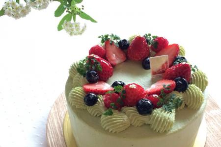Chia sẻ 15 mẫu bánh sinh nhật trái cây thơm ngon dành riêng cho bạn