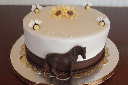 17 Mẫu bánh sinh nhật hình con ngựa sống động như thật khiến bạn
